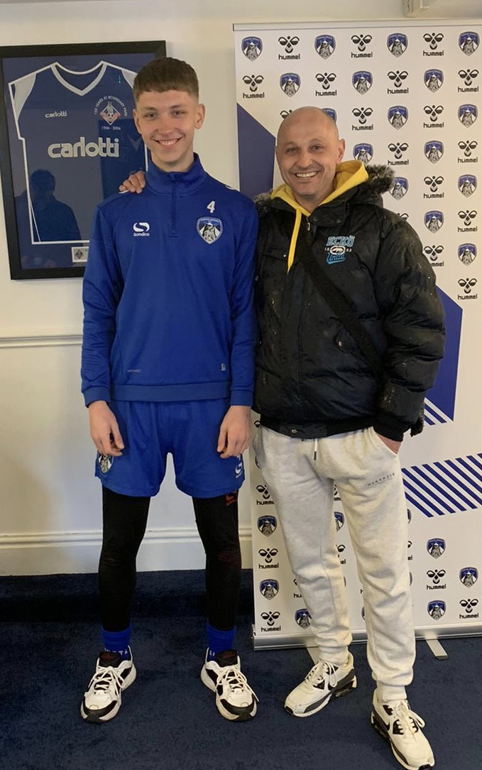 SPT Student Signs For Pro Club